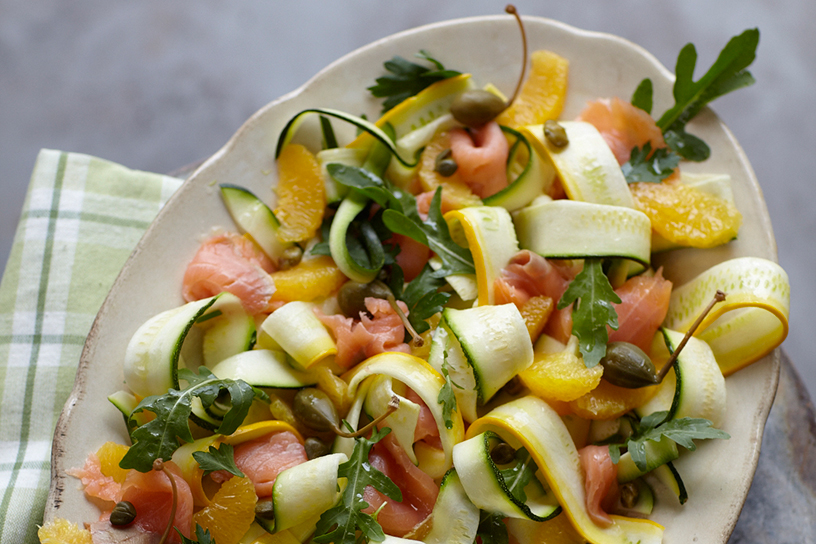 Courgettesalade met gerookte zalm
